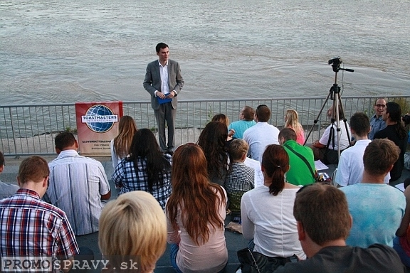 2012-07-18-toastmasters-meeting-open-eurovea-02