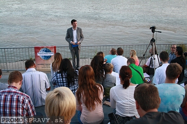 2012-07-18-toastmasters-meeting-open-eurovea-02.jpg