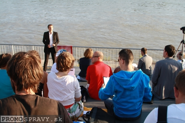 2012-09-06-toastmasters-meeting-open-eurovea-06.jpg